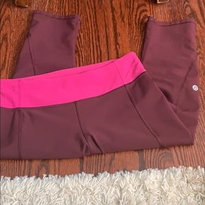 Lululemon capris nwot! 20$+3.99 TODAY ONLY!